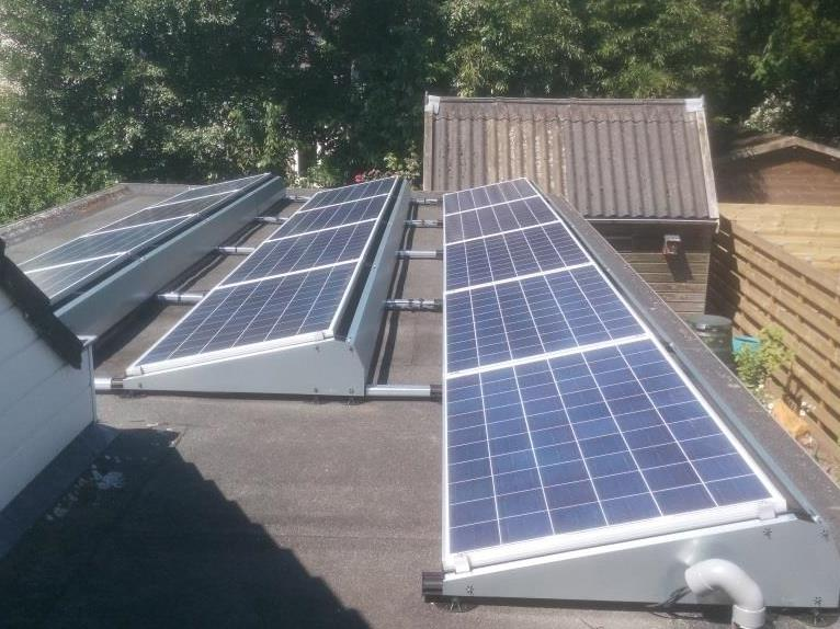 Zonnepanelen plat dak Haulerwijk Friesland